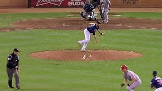 Download LAA@MIN: Pressly takes a misstep, spikes ball Video