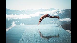 Van egy medence 2000 MÉTER magasan!