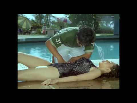 Xxx Mp4 Karisma Kapoor Bathing Video Bollywood Actress Bathing Scenes 3gp Sex
