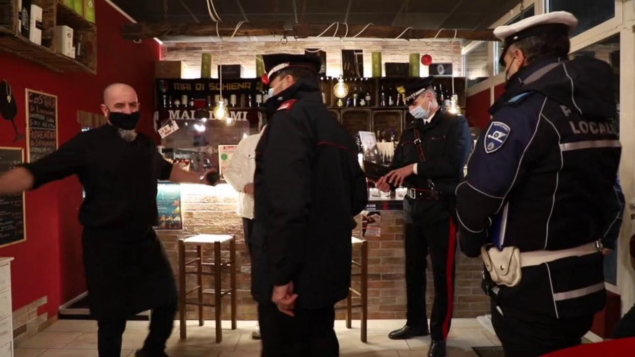 #ioapro1501 a Reggio Emilia, riapre il ristorante ma carabinieri e vigili urbani lo multano subito