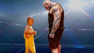 İşte Shaolin Rahiplerinin Yapabileceği Şey. - Tek Hareketiyle Yere Yıktı