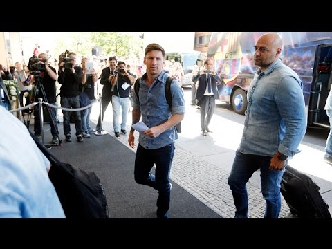 Champions League final: FC Barcelona players arrive at hotel in Berlin
