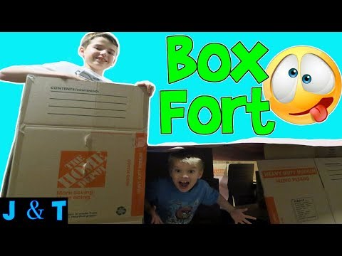 CARDBOARD BOX FORT AND NERF WAR / Jake and Ty