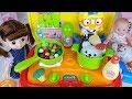 Food car shop and baby doll toys kitchen cooking play - ToyMong TV 토이몽