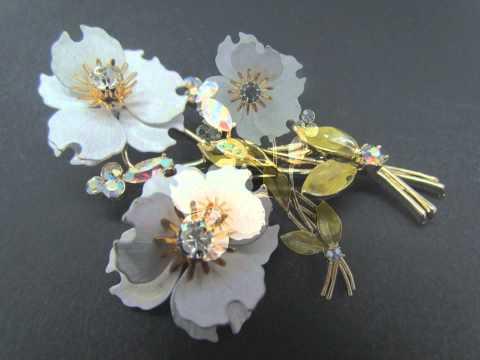 Vintage CORO Signed Dogwood Flower Enamel & Rhinestone Brooch Pin & Earring Set