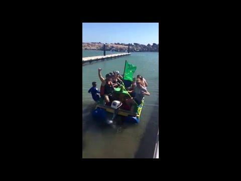 Aussie Day Float || ViralHog