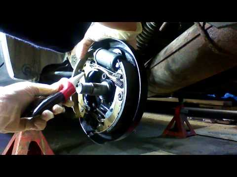 citroen saxo 1999 rear brake drum/shoes part 3