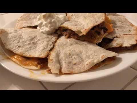 SlaysKitchen: spicy ground beef quesadillas