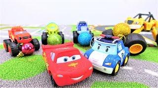 Farben lernen mit Lightning McQueen. Spielzeugautos für Kinder.