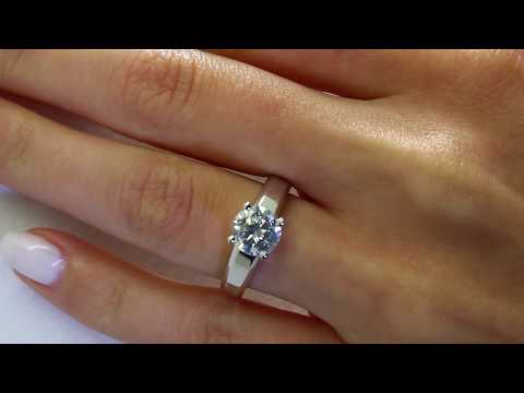 Solitaire Round Cut Diamond Engagement Ring in White Gold (MVS0019-W)