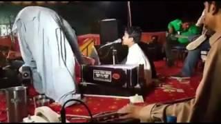 k tere liye-bollywood song-by baloch child