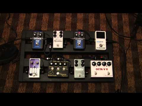 Bass Effects pedal board of Jonathan Grooms Demonstration