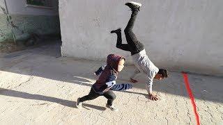 اللي يسبق أحمد وهو على يده بيفوز 100 ريال | تحدي سرعة