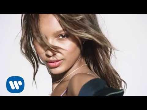 watch David Guetta ft Justin Bieber - 2U (The Victoria's Secret Angels Lip Sync)