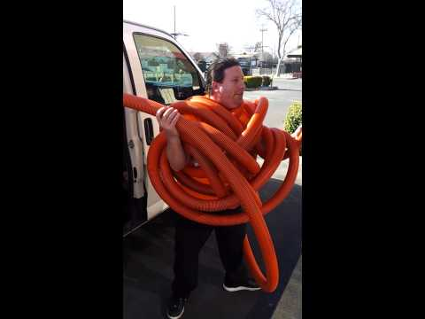 Rolling hose for carpet cleaning