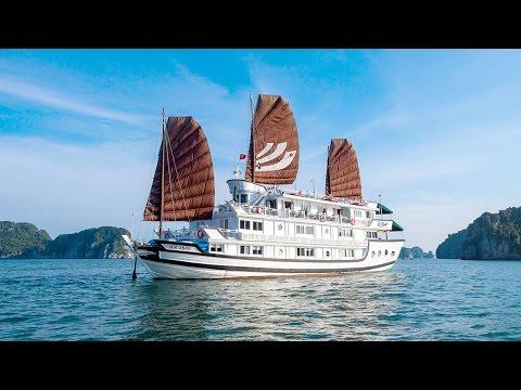 Halong Bay cruise with Bhaya Classic, Vietnam 2016
