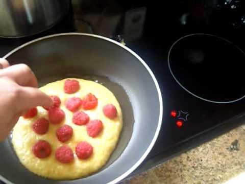 a raspberry pancake