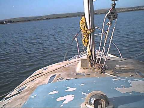 Teach yourself sailing. Part 2 Cleaning the boat and quick sail, petethewrist