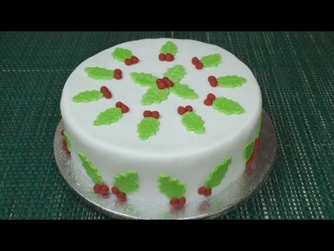 How to Make A Christmas Cake (Part 4 - Icing & Decorating)