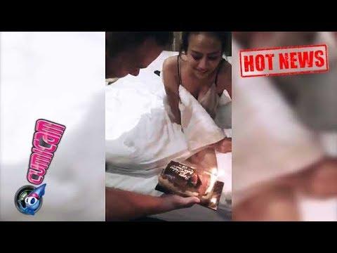 Xxx Mp4 Hot News Pacar Beri Kejutan Ultah Baju Vanessa Angel Bikin Gagal Fokus Cumicam 3gp Sex