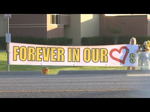 Santa Fe Students Return Amid Support, Anxiety