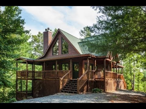 Blue Sky Cabin Rentals - Piece of Heaven - 3 Bedroom cabin in a wooded setting.