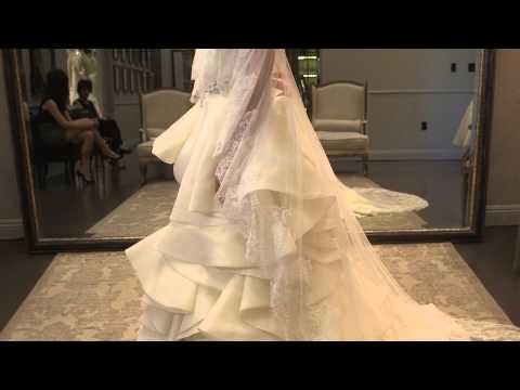 What Kind of Jacket Can a Bride Wear for a Winter Wedding? : Bridal Fashion