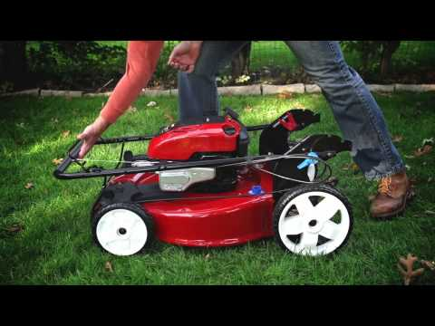 Toro Recycler Mower with Smart Stow