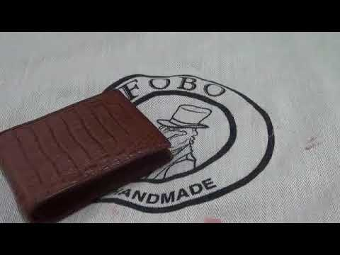 Crocodile leather bag cleaning