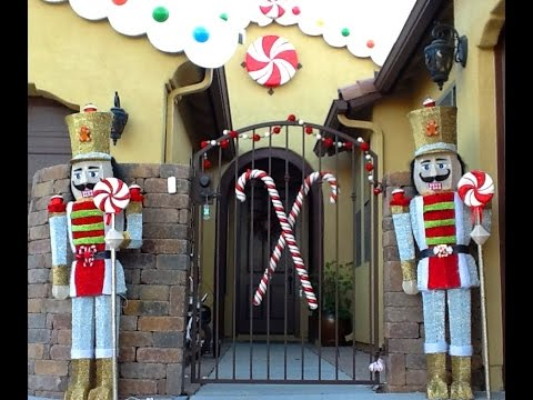 DIY : Convert toy soldiers into Gingerbread / Candyland christmas decorations theme