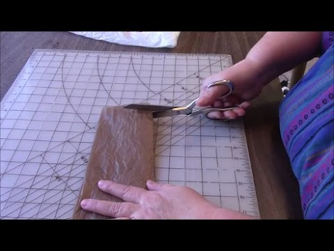 How to Make Plarn from Plastic Bags - Plastic Yarn - Recycle Grocery Bags
