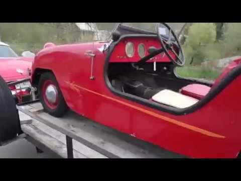 Trailering the '50 Crosley Hot Shot