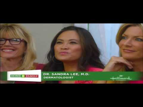 Dr. Sandra Lee Makes Homemade Ornament on Home and Family   (12/07/12)