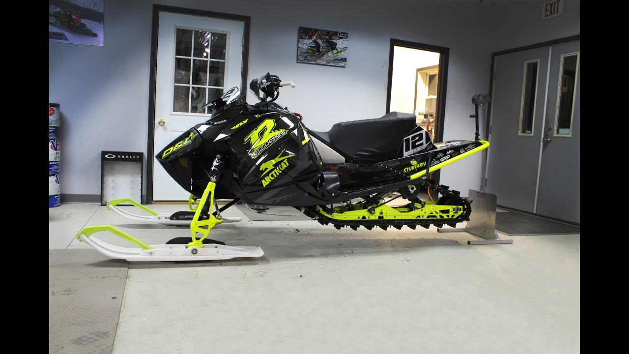 Wrapping the New Arctic Cat Snocross Race Sled!