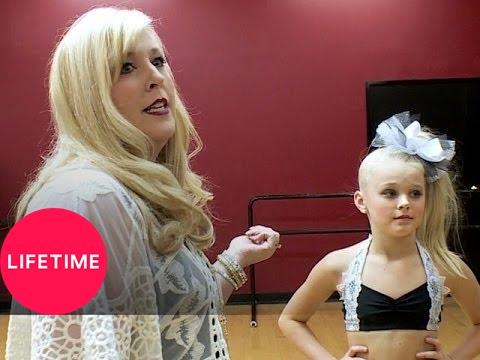 Dance Moms: Jessalynn Steals the Script (S5, E5)   Lifetime