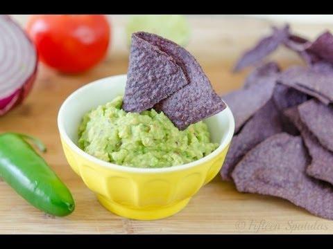 Easy Guacamole Recipe (How to Make Guacamole)