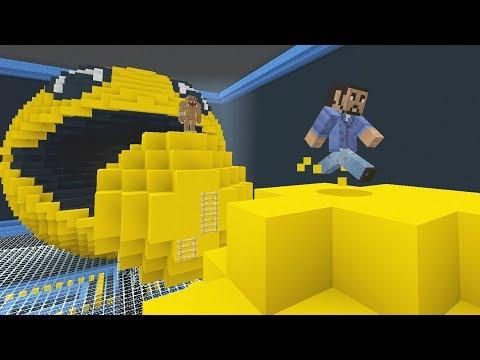 Minecraft XBOX - Run From The Beast - Retro Arcade