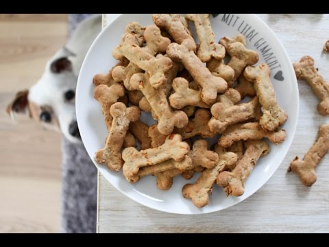 Gesunde Hundeleckerlies mit Banane und Karotten
