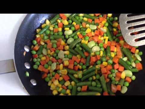 Quick & Easy Bodybuilding Meal: Mixed Vegetable Egg Scramble   | Phenom Fitness