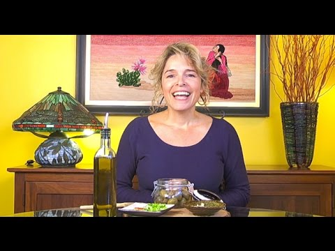 Delicious Homemade Marinated Olives Recipe!