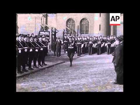 BERLIN - SPANDAU GUARD CHANGING