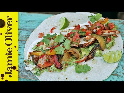 BBQ Chicken Fajitas with Spicy Guacamole   DJ BBQ