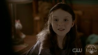 The Originals 4x01 Hayley opens Elijahs Coffin. Hayley watches Hope draw
