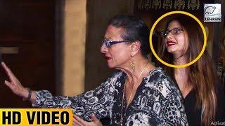 Tanisha Mukherjee Gets Embarrassed When Mom Tanuja Shouts At Media Photographers | LehrenTV