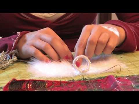 Christmas Crafts : How to Make an Angel Christmas Ornament