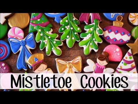 How to Make Decorated Mistletoe Sugar Cookies for Christmas!