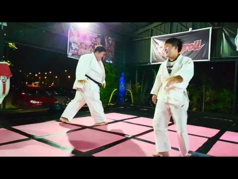 Doing Judo with a 200+kg Black Belt