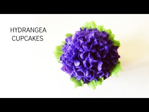 How to make Buttercream Hydrangea Cupcakes