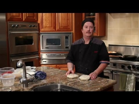 How to Keep Homemade Pizza Dough in the Fridge : Tips for Making Pizza
