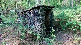 Vergessene Orte DER BUNKER UNTER DEM HOLZSTAPEL Lost Places Verlassene Orte Geisterhaus Doku